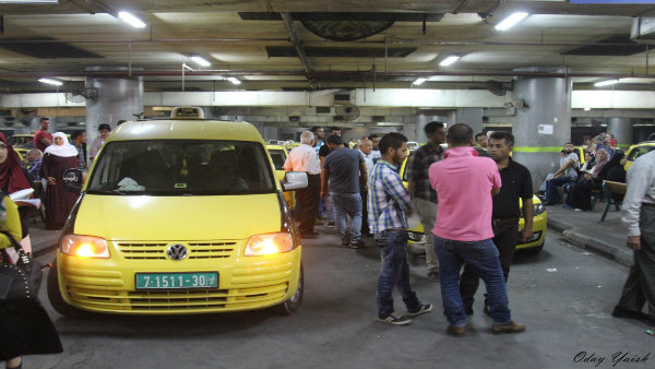 سائقو مجمع نابلس يهددون بالإضراب