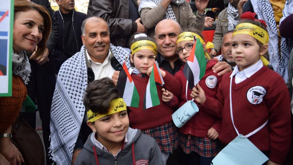 أطفال نابلس يتعلمون حب القدس