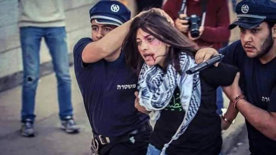 تمديد اعتقال ثلاث أسيرات