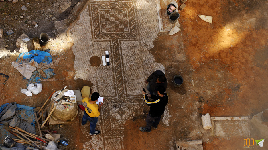 تغطية ساحة الفسيفساء وسط نابلس