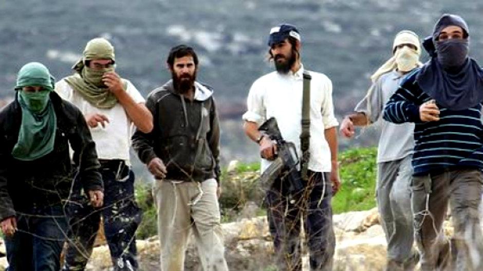 مستوطنون يعتدون على طاقم الصليب الأحمر في بورين