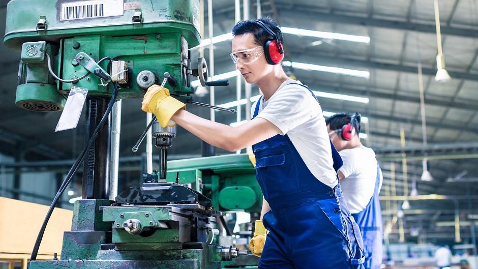 وزارة الاقتصاد: منح لتحفيز الاستثمار وإتمام الصفقات